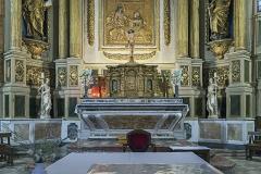 Eglise - English:  Church of Mary Magdalene of Pibrac, Haute-Garonne France – Altar, tabernacle, altar cross, two statues, eighteenth century.
