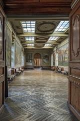 Hôtel de ville appelé Le Capitole - English:  Henri Martin Hall, a long corridor leading to the Salle des Illustres.