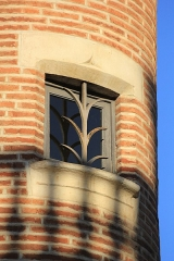 Ancien collège Saint-Raymond - Français:   Fenêtre tour - collège Saint-Raymond