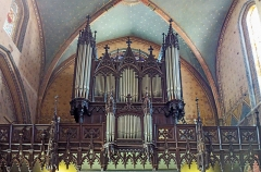 Eglise Saint-Nicolas - English:  Saint Nicolas Church from Toulouse - The organ. Buffet neo-Gothic style consists of a large body and a positive dummy back to 2 turrets. The instrumental part is performed between 1845 and 1847. The console window, has three manuals.