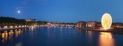 Hôtel-Dieu - Français:   Panorama fait à partir du pont Saint-Pierre à Toulouse