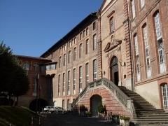 Hôtel-Dieu - Français:   Toulouse,.