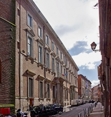 Hôtel Saint-Jean - English:  Hôtel des chevaliers de Saint-Jean de Jérusalem (en:Knights Hospitaller Knights Hospitaller), facade.