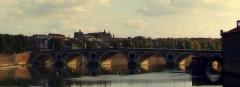 Pont-Neuf qui assure à la R.D. 124 le franchissement de la Garonne - Le Pont-Neuf et la Garonne depuis le Pont Saint-Pierre