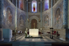 Eglise Saint-Pierre et Saint-Phébade - English:  Venerque. Church Saint-Pierre-et-Saint-Phébade, view choir paintings, Carolingian inspiration, and altar.