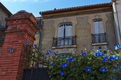 Immeuble - English: Building at 32 rue Sainte-Philomène, Toulouse.