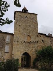 Ancienne porte de ville - English: Entrance gate to the village of Fourcès, Gers, France - exterior of village Porte de ville de Fourcès