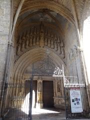 Eglise Notre-Dame - Porche de l'église Sainte-Marie de Mirande.