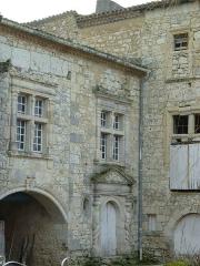 Château de Madirac - English: Door and muntin, château de Madirac (monument historique), La Romieu, Gers, France