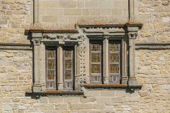 Château - English: Windows of castle of Assier, Lot, France
