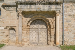 Château - English: Portail of castle of Assier, Lot, France