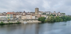Eglise Saint-Urcisse - English: Right bank of Lot river in Cahors, Lot department, France