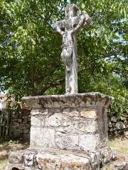 Croix en pierre datée de 1667 - Français:   Croix de Capdenac (Classé)