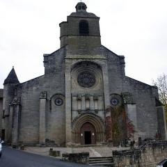 Eglise Notre-Dame-du-Puy - English:   West facade of Notre-Dame du Puy.