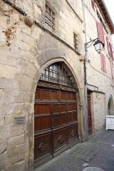 Maison - Français:   Porte, 1 rue Ortabadial à Figeac.
