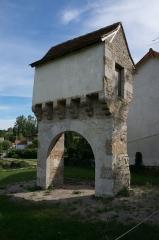 Pigeonnier-porche - Français:   Pigeonnier-porche de Lavergne