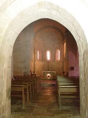 Eglise - Français:   Intérieur de l\'église Saint-Martin de Lunan, dans le Lot (France)