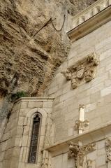 Chapelle Notre-Dame ou Miraculeuse ou de la Vierge - Français:   Rocamadour, Lot, France - Chapelle Notre-Dame de Rocamadour avec l\'épée Durandal.
