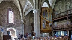 Eglise Saint-Sauveur et crypte Saint-Amadour - Français:   Église Saint-Sauveur