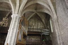 Eglise Saint-Sauveur et crypte Saint-Amadour - Français:   Rocamadour, Lot, France - l\'église Saint Sauveur.