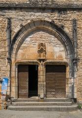 Eglise - English:   Portal of the church of Saint-Cirq-Lapopie, Lot, France
