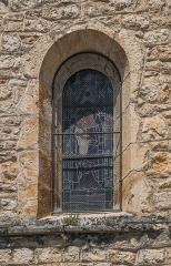 Eglise - English:   Window of the church of Saint-Cirq-Lapopie, Lot, France