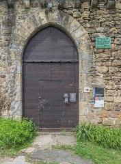 Château - English: Door of the castle of Saint-Laurent-les-Tours, Lot, France