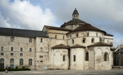 Eglise abbatiale Sainte-Marie - This building is indexed in the Base Mérimée, a database of architectural heritage maintained by the French Ministry of Culture,under the reference PA00095262 .