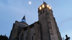 Eglise paroissiale Saint-Laurent - English: The church of Ibos in the moonlight
