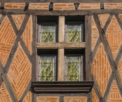 Maison - English: Window of the building at 12 rue d'Engueysse in Albi, Tarn, France