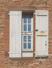 Palais de l'Archevêché ou de la Berbie - English: Window of the outbuildings of the Palais de la Berbie in Albi, Tarn, France