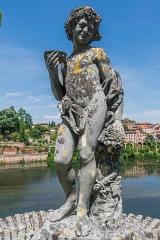 Palais de l'Archevêché ou de la Berbie - English: Statue in the garden of the Palais de la Berbie in Albi, Tarn, France