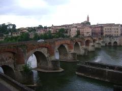 Vieux pont - Français:   Pont Vieux sur le Tarn, Albi, Tarn.