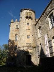 Ruines du château - Français:   Tour rajoutée au Château vieux de Bruniquel