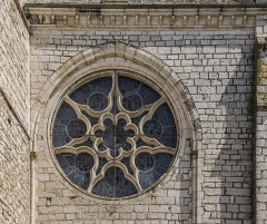 Eglise Notre-Dame de l'Assomption - English: Round window of the church of Our Lady of the Assumption in Caussade, Tarn-et-Garonne, France