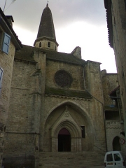 Eglise Saint-Jean-Baptiste - Français:   Eglise du XIIème siècle et ensemble du XIVème Caylus (82160)