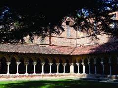 Eglise Saint-Pierre et son cloître - Nederlands:   Moissac - Tarn-et-Garonne, Midi-Pyrénées - de kruisgang van het klooster (eind XIe, aanvang XIIe eeuw) bij de abdijkerk Saint-Pierre, een van oorsprong Karolingische kerk (IXe eeuw).