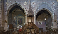 Eglise Notre-Dame de la Visitation - English:   Montech Tarn-et-Garonne, France - Our Lady of the Visitation Church - The pulpit flamboyant Neo-Gothic style, the Chapels of Saint-Marc and the Virgin of Mercy.