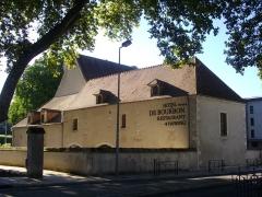 Ancienne abbaye Saint-Ambroix, puis hôtel de Bourbon - Français:   Hôtel de Bourbon, ancienne abbaye Saint--Ambroix, Bourges (Cher, France)