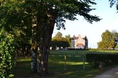 Château du Plessis - English: Chateau du plessis à la-celle-conde