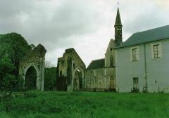 Ancienne abbaye de Loroy - English: L'ancienne Abbaye de Loroy en 1987. L'abbaye est un des bâtiments présumés d'être
