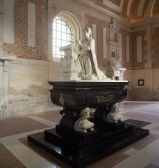Château d'Anet - Monument funéraire de Diane de Poitiers, Pierre Bontemps; La chapelle funéraire  fut commandée par Diane de Poitiers elle-même, en 1565 soit un an avant sa mort. Elle fut consacrée en 1577