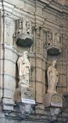 Eglise Saint-Valérien - Français:   statues de saint Antoine d'Égypte et de saint Martin de Tours, église Saint-Valérien, Châteaudun, Eure-et-Loir, France.