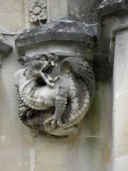 Domaine de la chapelle royale Saint-Louis - Français:   Façade occidentale de la chapelle royale Saint-Louis de Dreux (28). Cul de lampe droit.