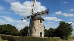 Moulin à vent de Frouville-Pensier - English: The moulin de Frouville, Eure-et-Loir, France.