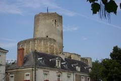Ensemble castral - Français:   Château de Châtillon-sur-Indre (Indre, France): tour de César (donjon)