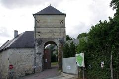 Château - Français:   Entrée/Colombier du château de Palluau-Frontenac.