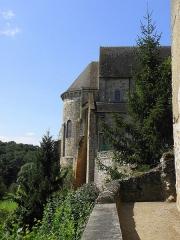 Prieuré Saint-Benoît - Extérieur de l'église prieurale de Saint-Benoît-du-Sault (36). Abside.