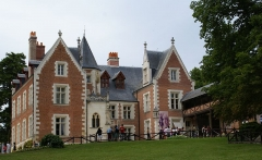 Château du Clos-Lucé - This building is classé au titre des Monuments Historiques. It is indexed in the Base Mérimée, a database of architectural heritage maintained by the French Ministry of Culture,under the reference PA00097504 .