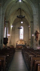 Eglise Saint-Germain - English: Interior of the Church of Saint-Germain in Bourgueil, looking towards the altar